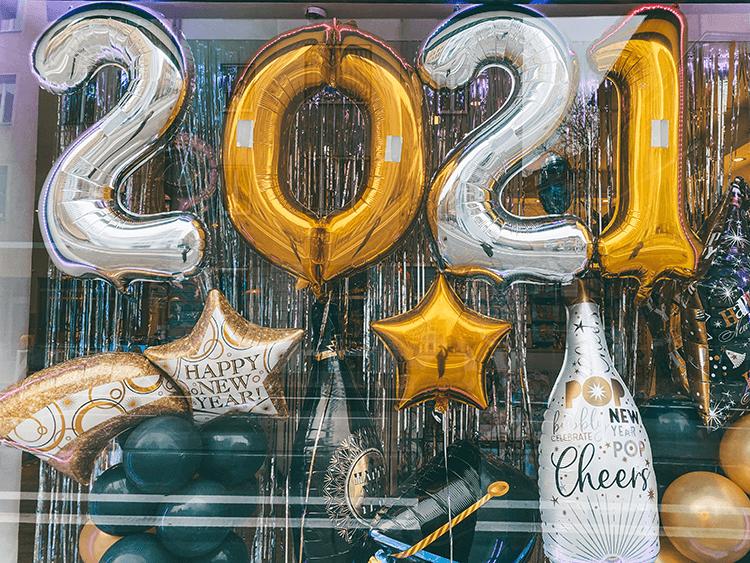 HAPPY NEW YEAR 2021 FROM KATDOESDISNEY!!!